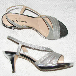 TOUCH OF NINA Noralee silver sparkle sandal 7 1/2
